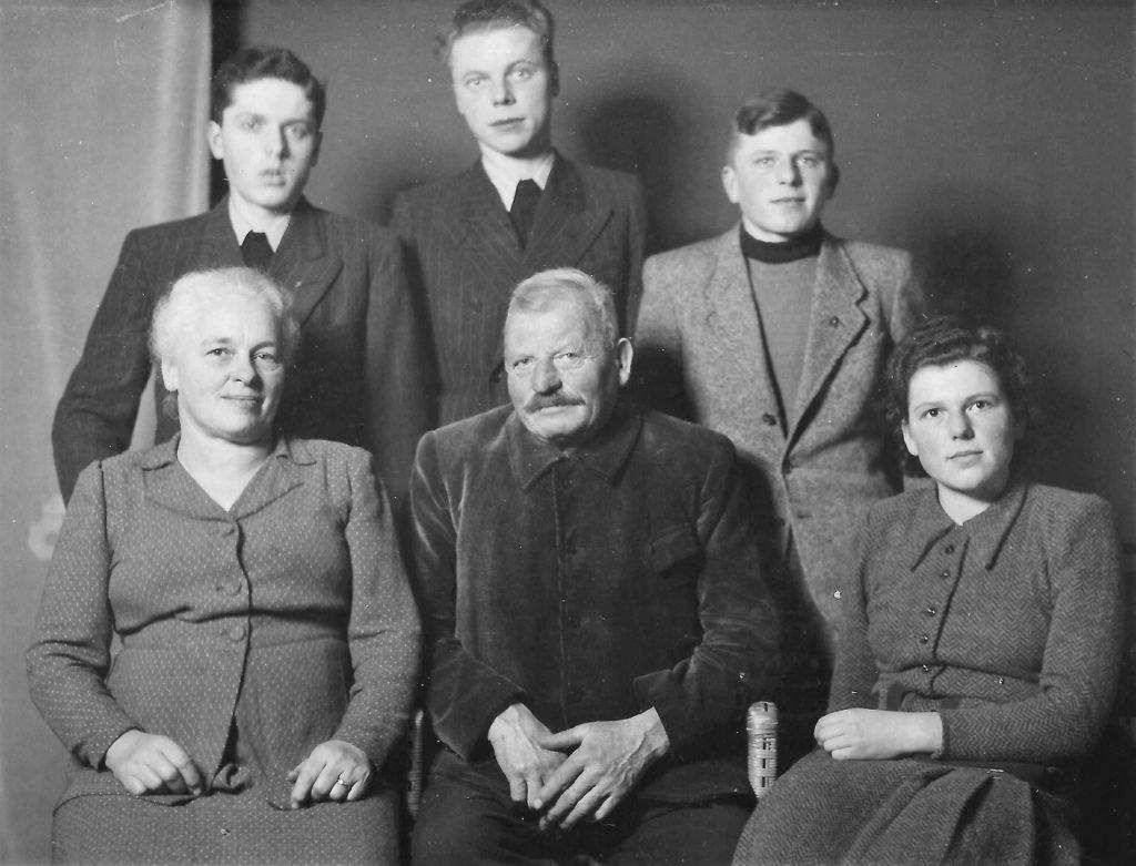 Familie Reutimann-Preisig mit direkten Nachkommen